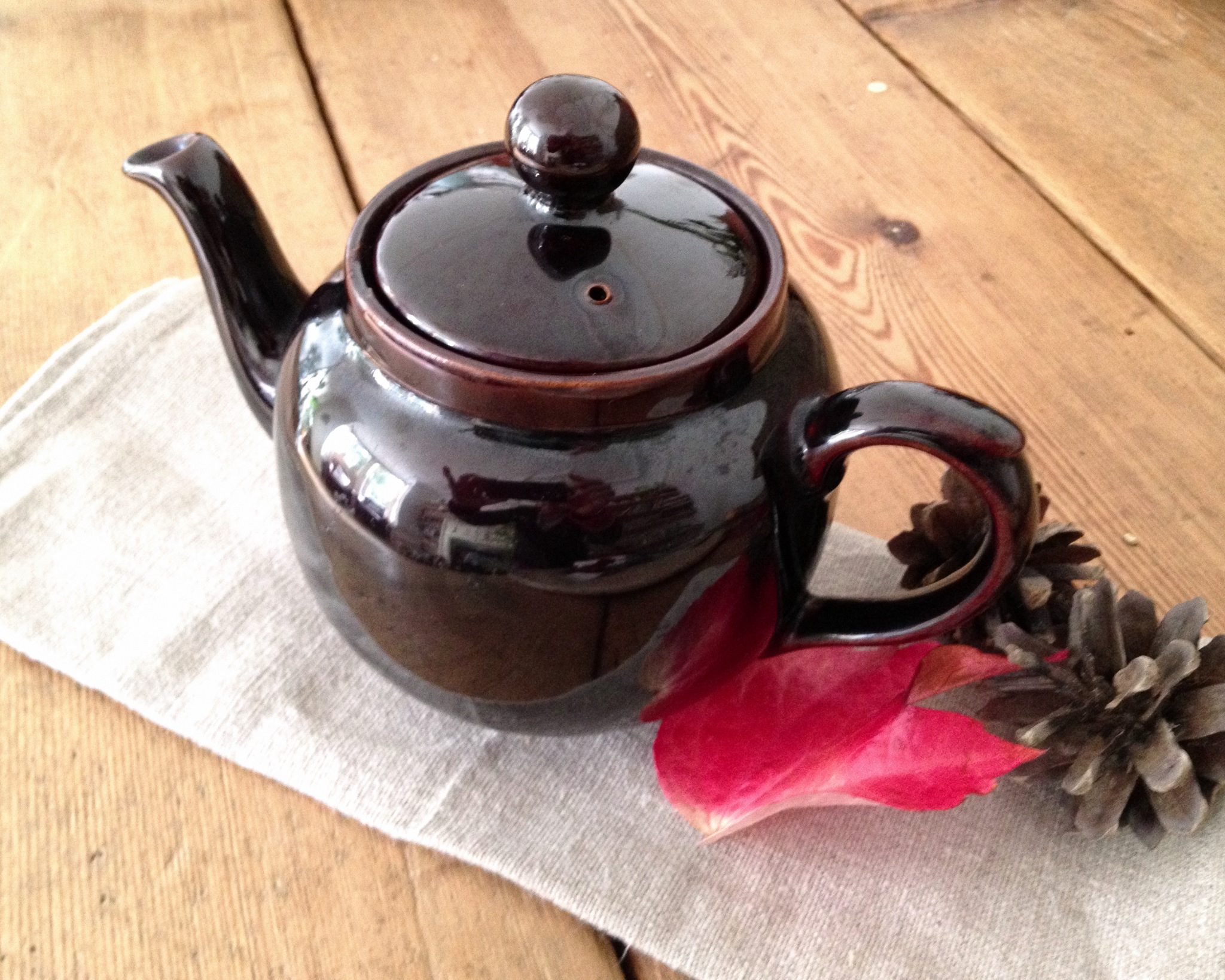 6 Cup Brown Betty Teapot